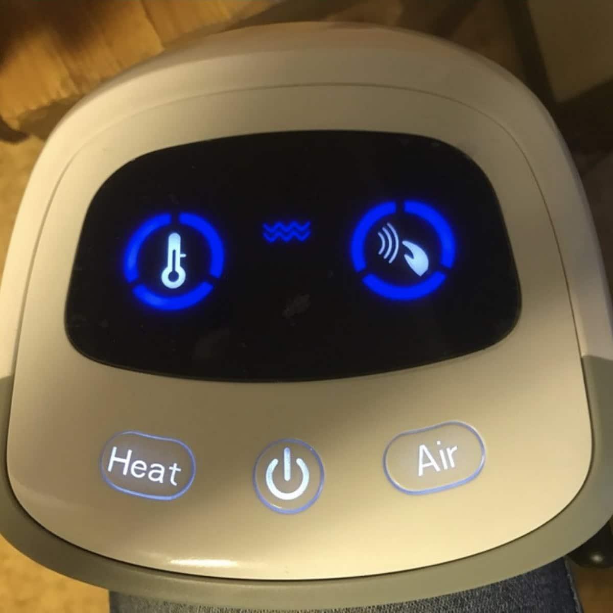 Knä massage med värme och magnet